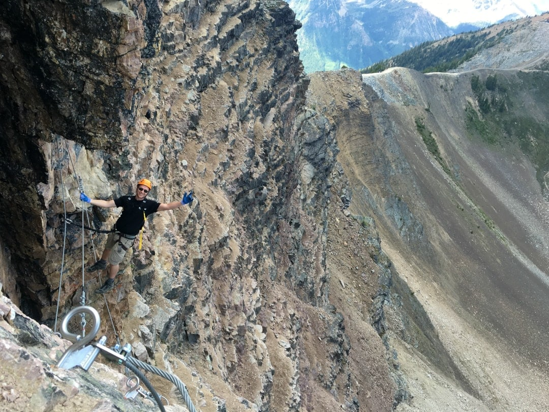 Gut Bridge en la Via Ferrata de Kicking Horse Resort