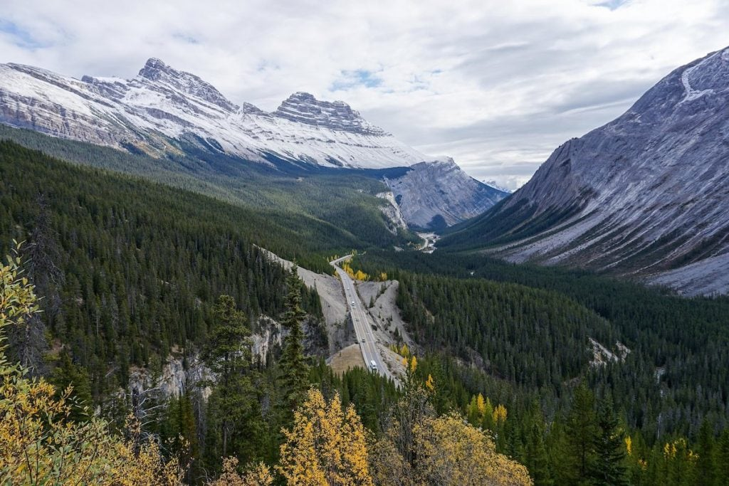 Banff to Jasper on the Icefields Parkway, Alberta, Canada