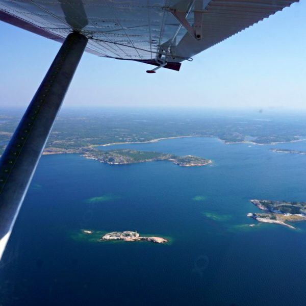 Flying Over Yellowknife in a Float Plane – It's the Thing to Do