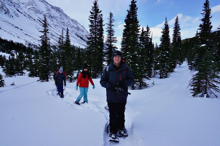 snowshoeing canadian rockies