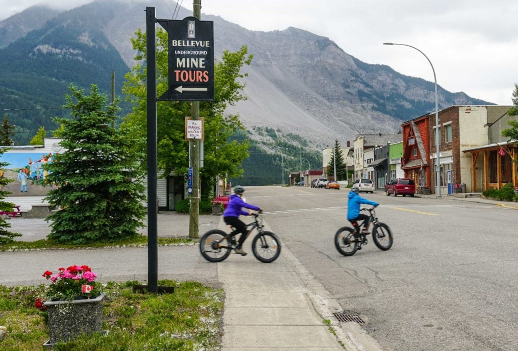 things to do in crowsnest pass