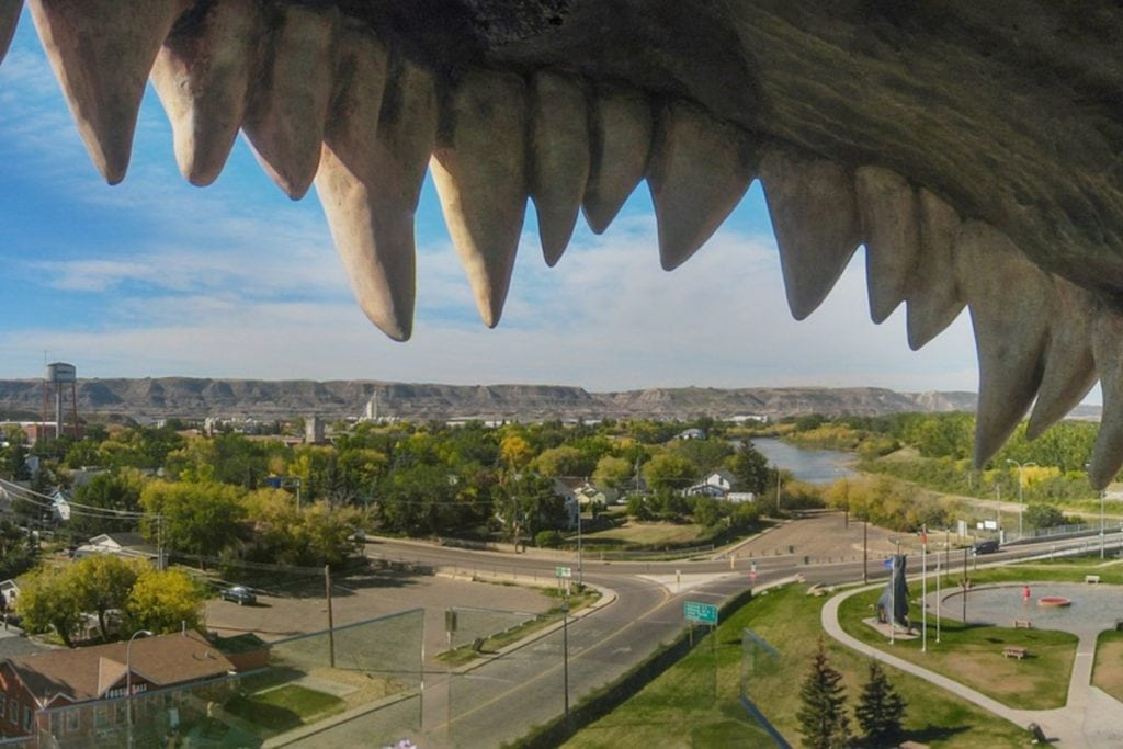 World's Largest Dinosaur - Drumheller Attractions