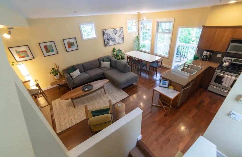 airbnb vancouver - Robson Street