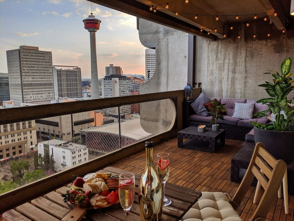 best calgary airbnbs in downtown calgary