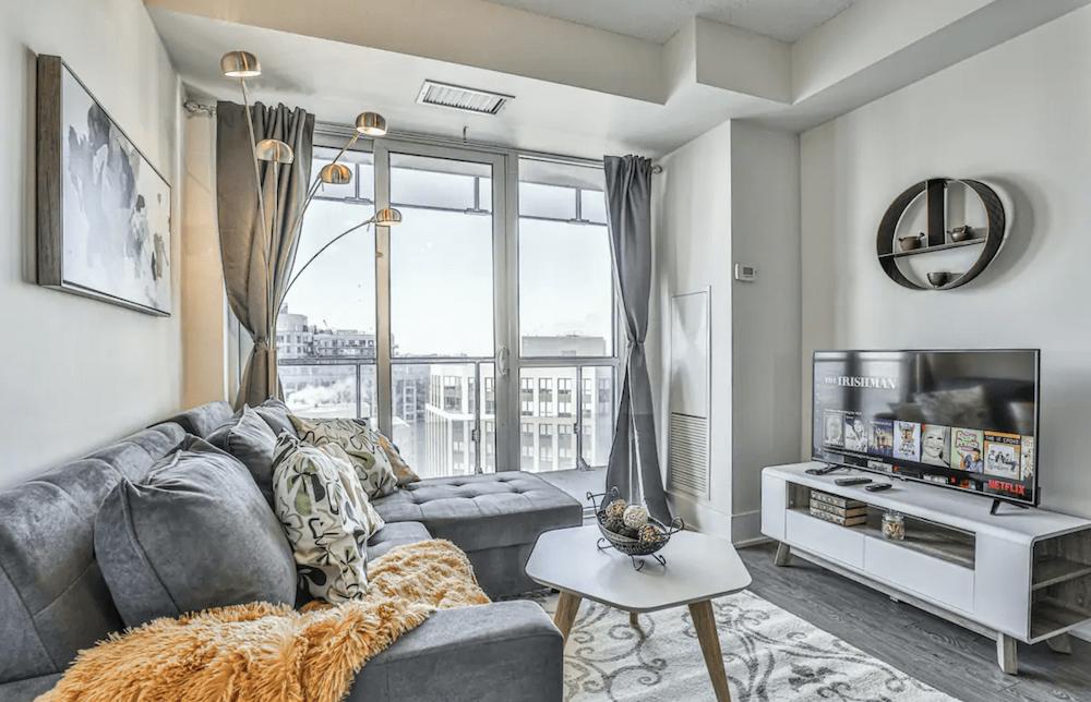 Best Toronto Airbnbs