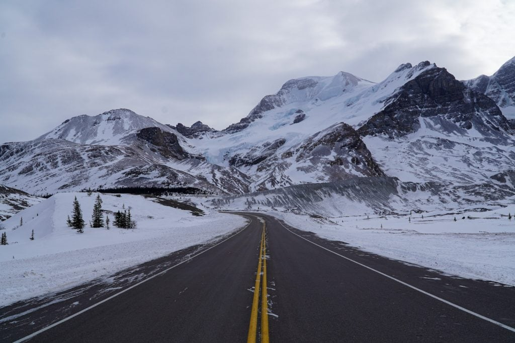 Banff to Jasper - Icefields Parkway Winter - Must Do Canada
