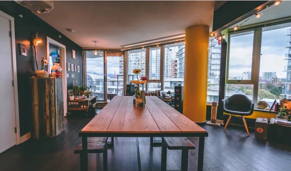 Vancouver Airbnbs - Chinatown