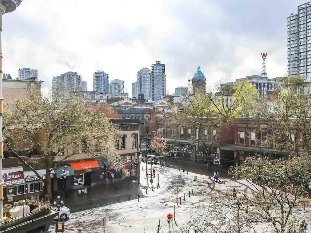 Vancouver Airbnbs in Gastown
