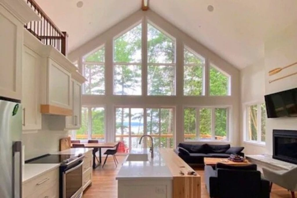 Massive cottage rentals in Ontario.