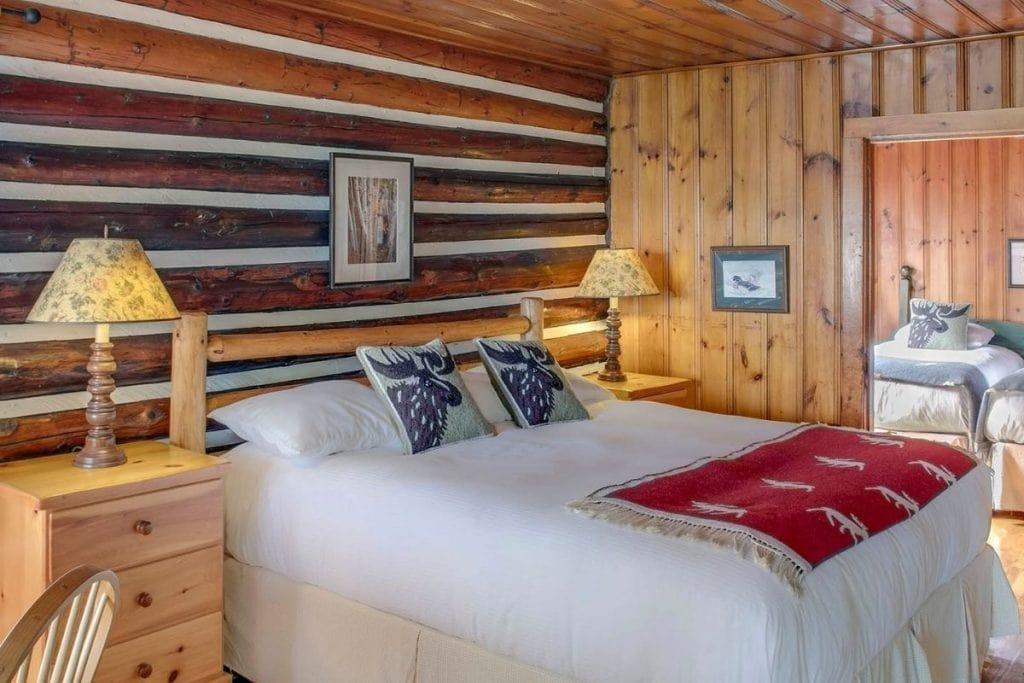 Luxury cabin rentals in ontario.