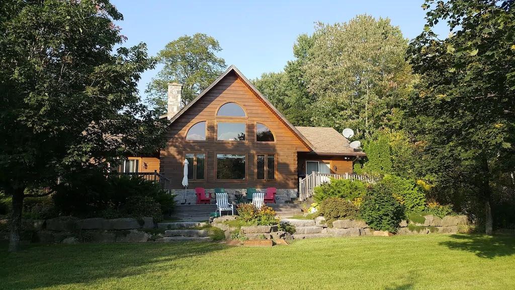 Cottage rentals in Ontario.