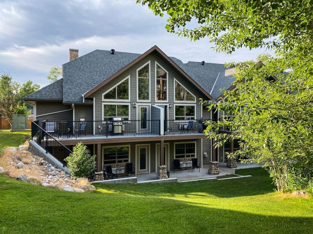 Elkwater Lake Lodge and Resort.